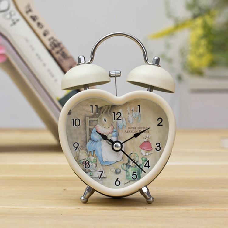 Tả chiếc đồng hồ để bàn của em