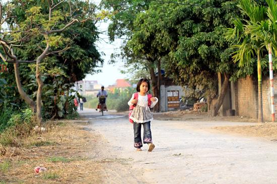 Tả con đường từ nhà đến trường của em