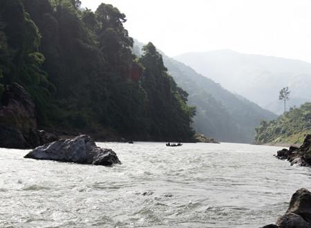 Phân tích hình tượng sông Đà trong Người lái đò sông Đà của Nguyễn Tuân