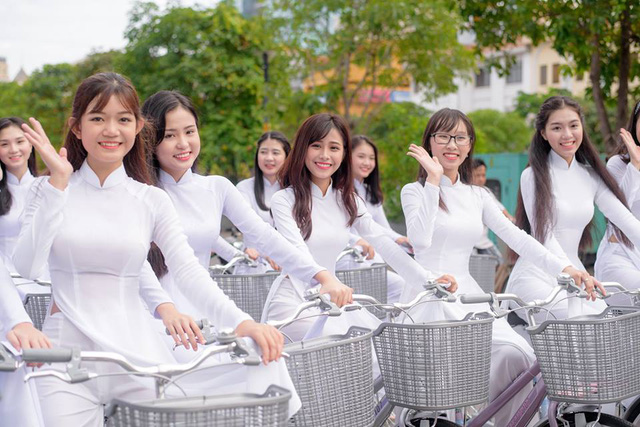 Thuyết minh về chiếc áo dài Việt Nam – Bài tập làm văn số 4 lớp 8