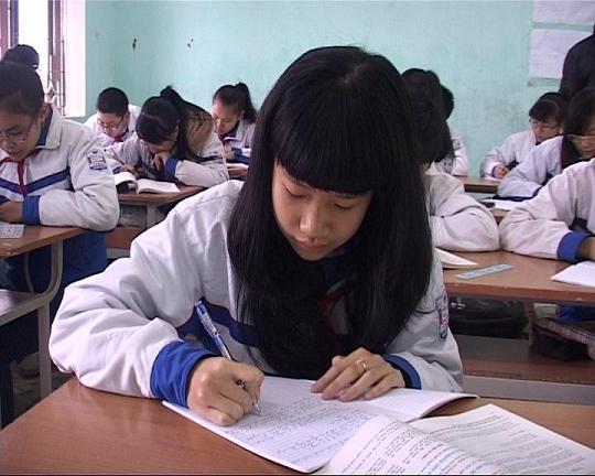 Thuyết minh về tấm gương học tốt của lớp em – Bài tập làm văn số 5 lớp 10