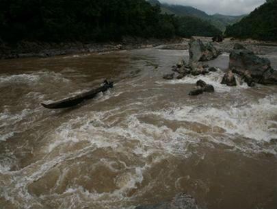 Phân tích tác phẩm Người lái đò sông Đà của Nguyễn Tuân